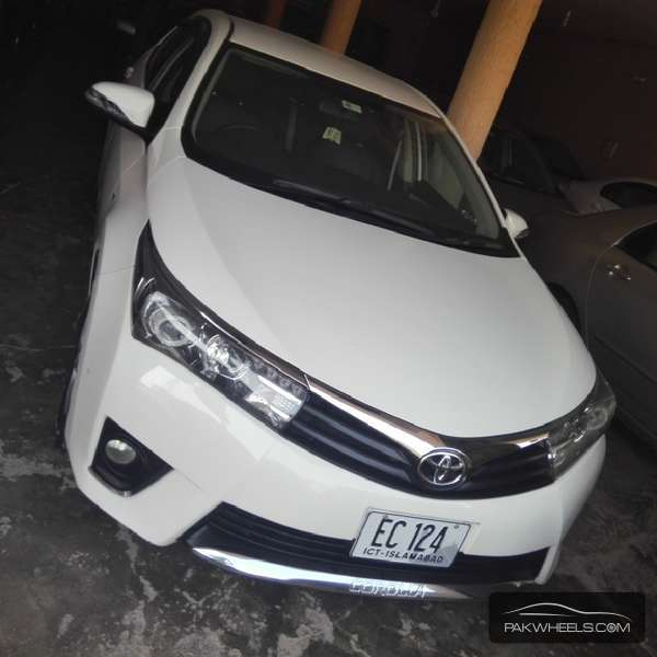 Toyota Corolla GLi 1.3 VVTi Ecotec  2015 Image-1