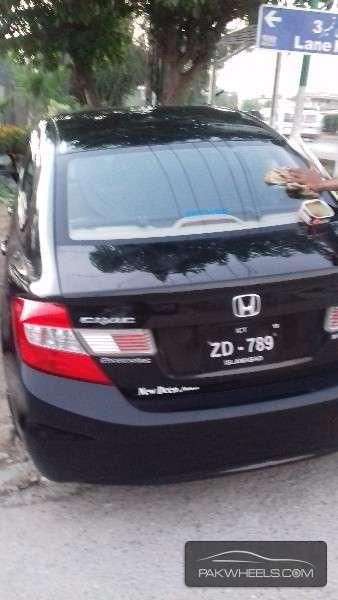 Honda Civic VTi Prosmatec 1.8 i-VTEC 2013 Image-2