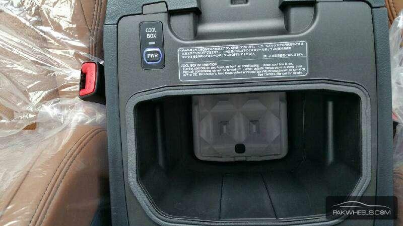 Toyota Land Cruiser ZX 2015 Image-7