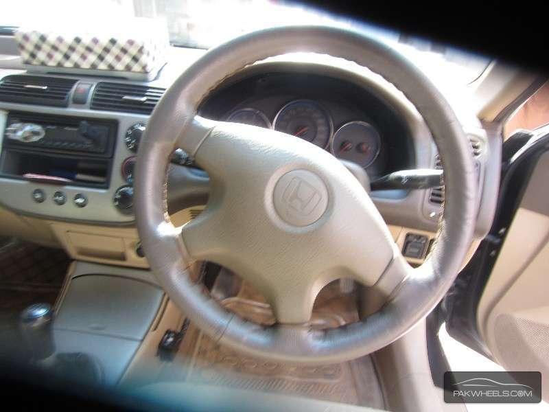 Honda Civic VTi Oriel 1.8 i-VTEC 2006 Image-4