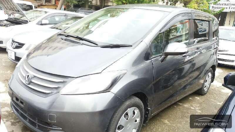 Honda Freed 2010 Image-2