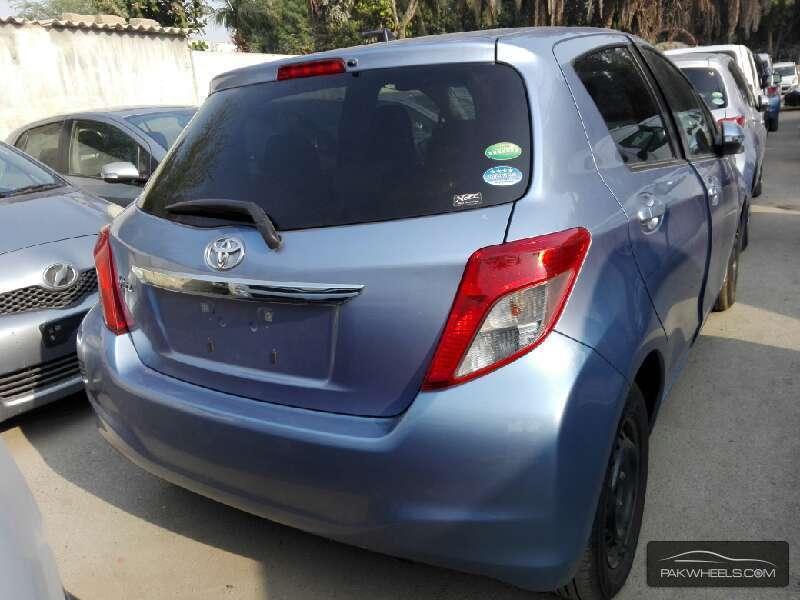 Toyota Vitz FL 1.0 2013 Image-8