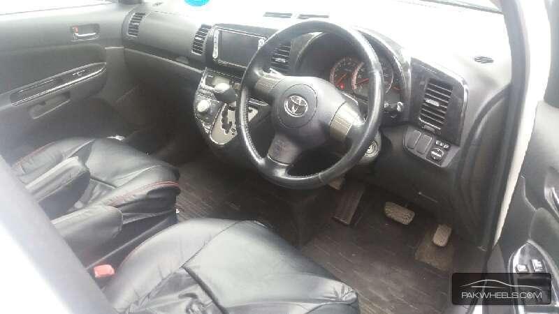 Toyota Wish 2007 Image-9