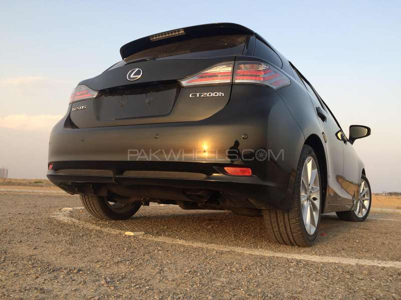 lexus ct200h version l 2011 for sale in karachi pakwheels. Black Bedroom Furniture Sets. Home Design Ideas