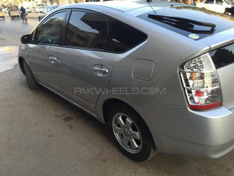 Toyota Prius S 1.5 2010 Image-4