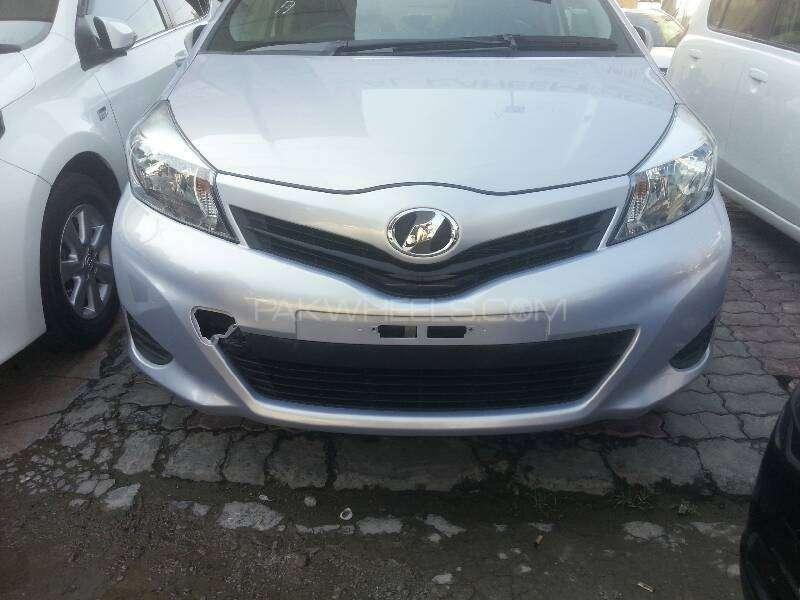 Toyota Vitz F Limited 1.0 2013 Image-1