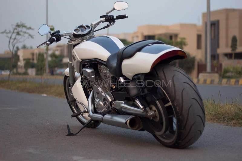 used harley davidson v rod muscle 2011 bike for sale in lahore 149076 pakwheels. Black Bedroom Furniture Sets. Home Design Ideas