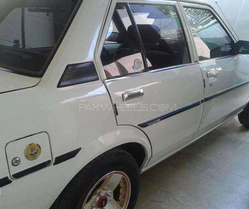 Toyota Corolla DX Saloon 1982 Image-4