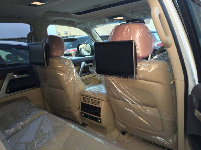 Toyota Land Cruiser ZX 2015 Image-4
