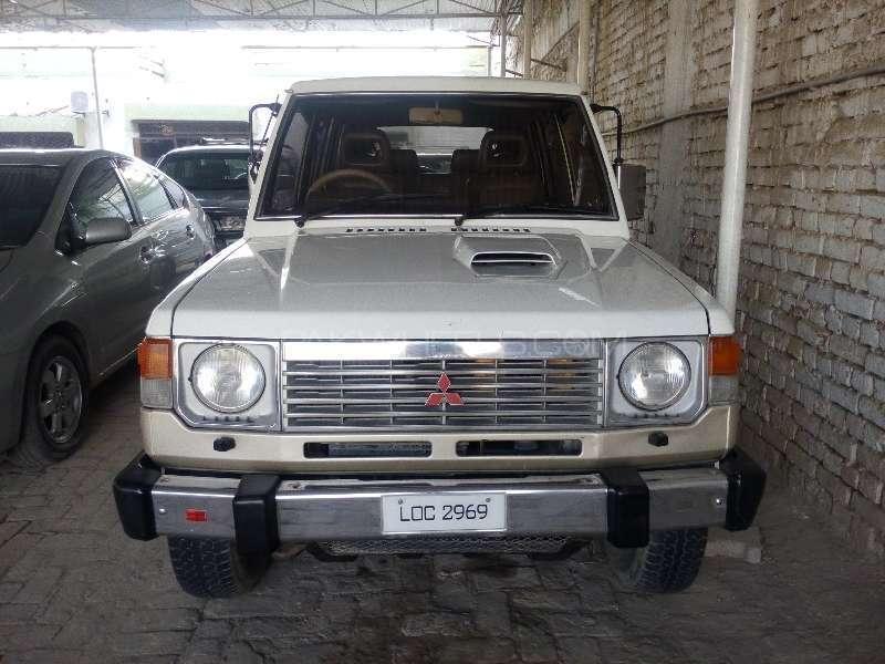 Mitsubishi Pajero Exceed 2.4 1998 Image-1