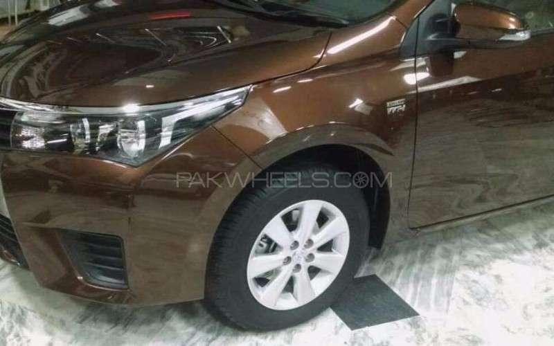 Toyota Corolla Altis Automatic 1.6 2015 Image-2