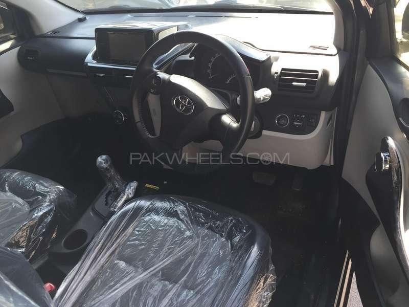 Toyota iQ 2012 Image-3