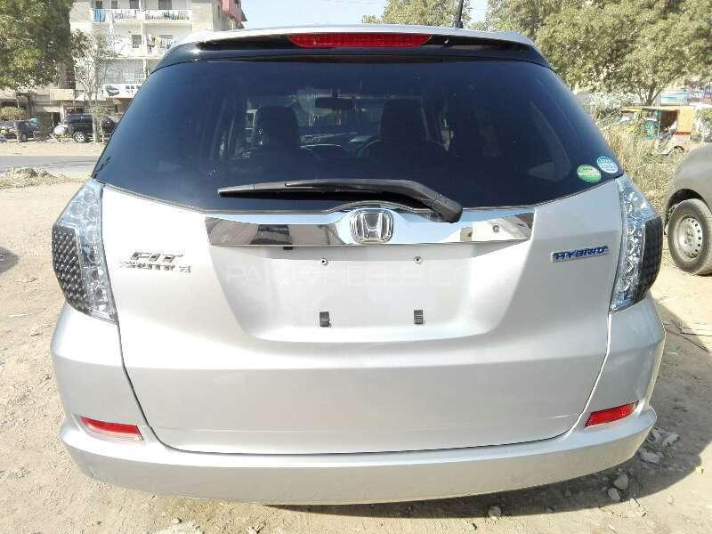 Honda Fit Hybrid S Package 2012 Image-8