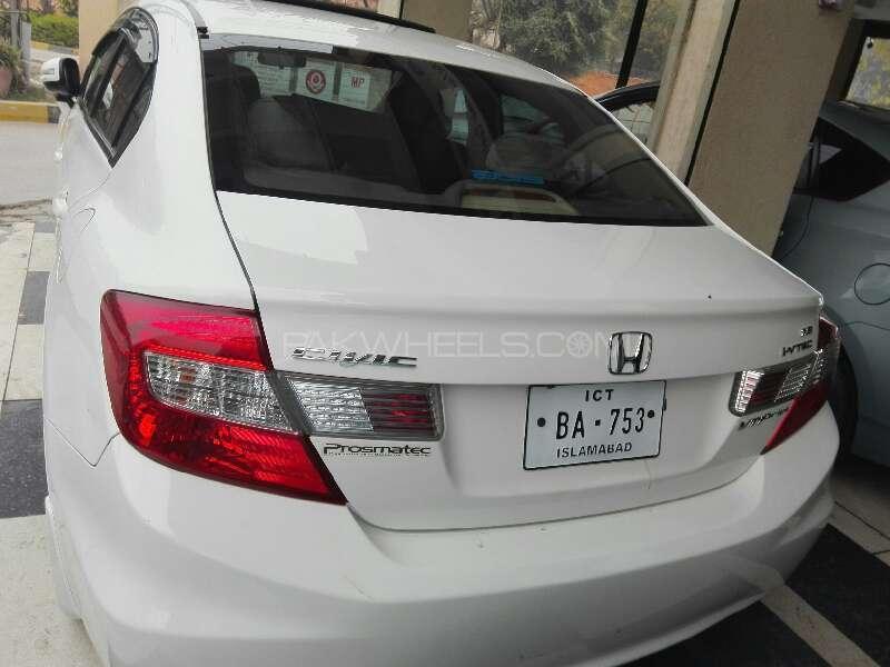 Honda Civic VTi Prosmatec 1.8 i-VTEC 2014 Image-3