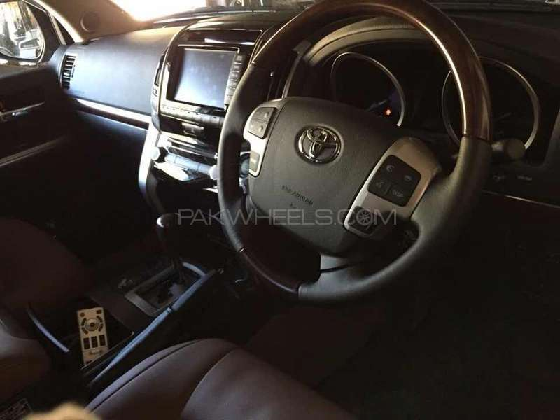 Toyota Land Cruiser 2015 Image-7