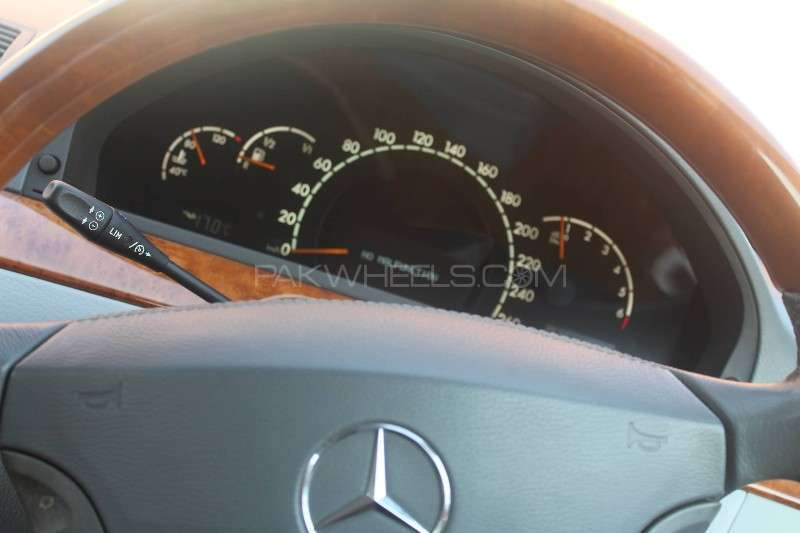 Mercedes Benz S Class S 320 2000 Image-16
