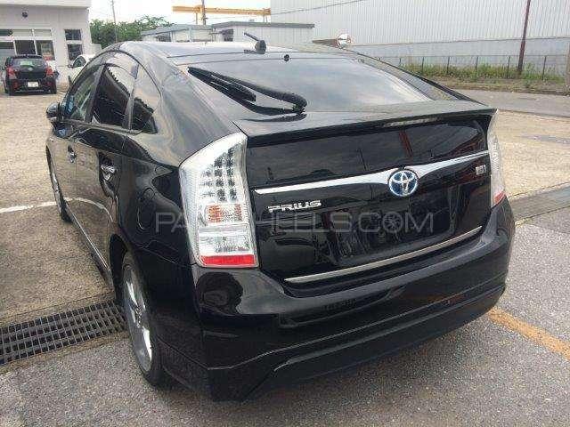 Toyota Prius G Touring Selection 1.8 2011 Image-6