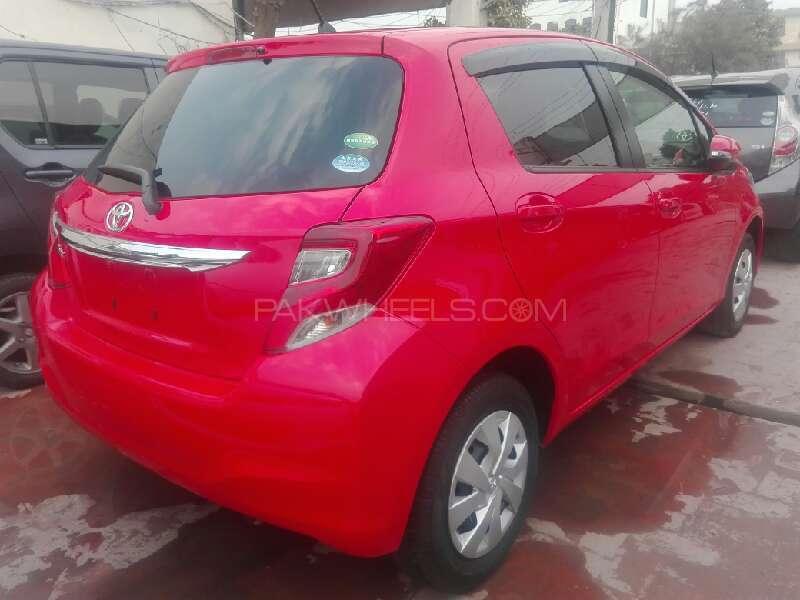 Toyota Vitz 2015 Image-2