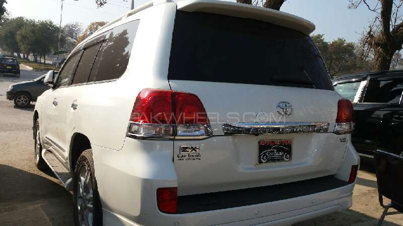 Toyota Land Cruiser ZX 2010 Image-3