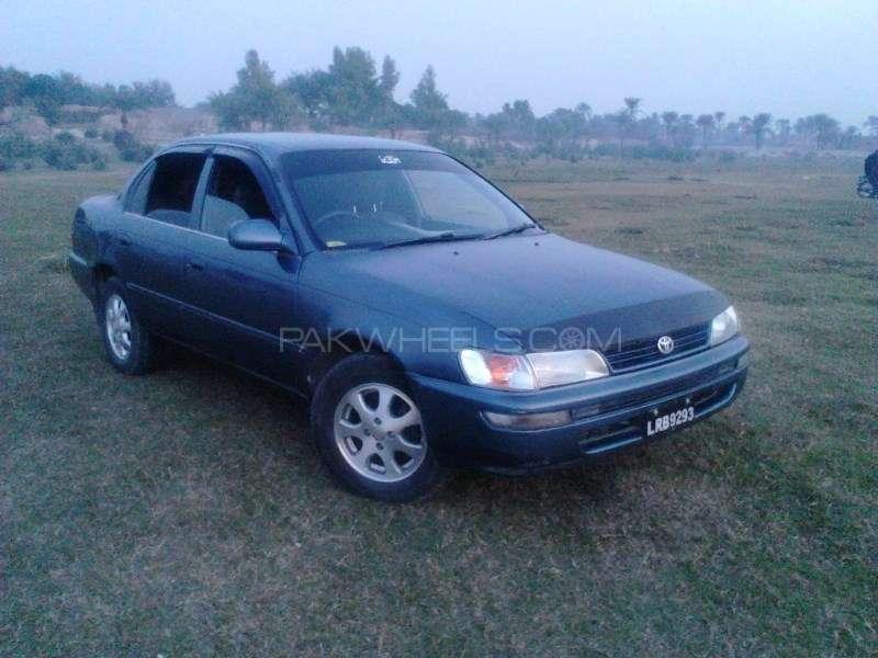 Toyota Corolla XE 2002 Image-2