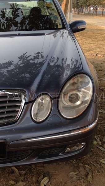 Mercedes Benz E Class E200 2003 Image-17