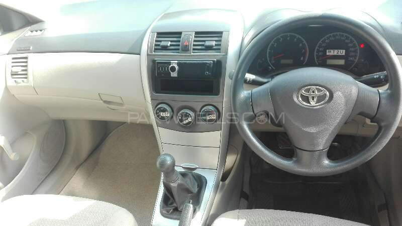 Toyota Corolla XLi VVTi 2014 Image-4