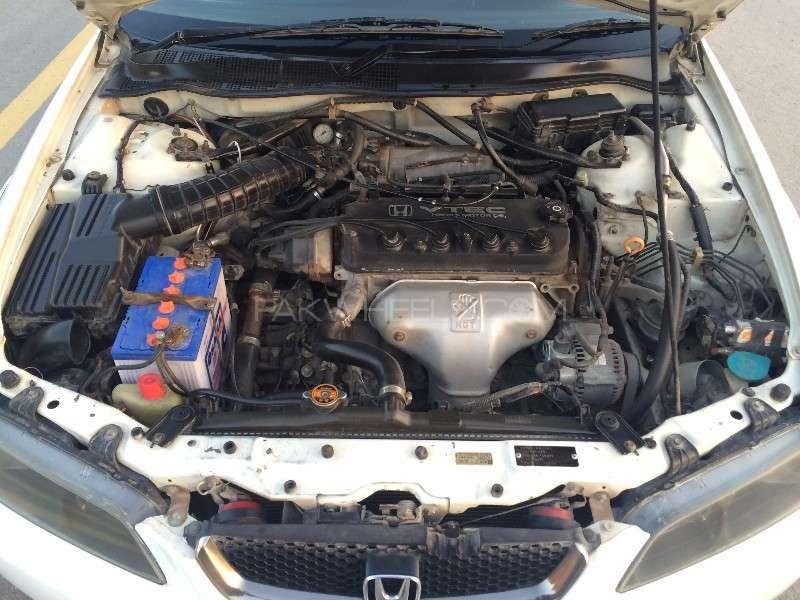 Honda Accord CF3 2002 Image-5