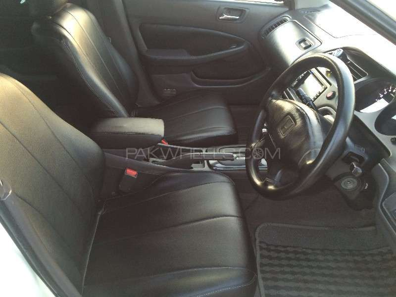 Honda Accord CF3 2002 Image-8