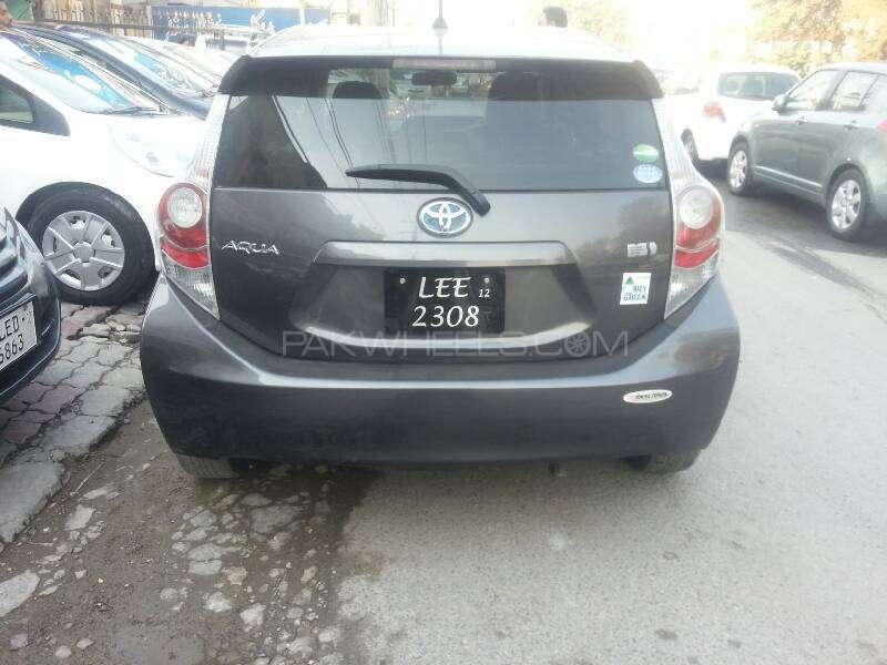 Toyota Aqua G 2012 Image-3