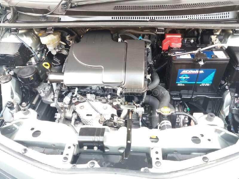 Toyota Vitz 2012 Image-13