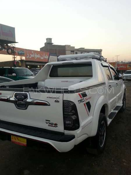 Toyota Hilux Vigo G 2012 Image-2