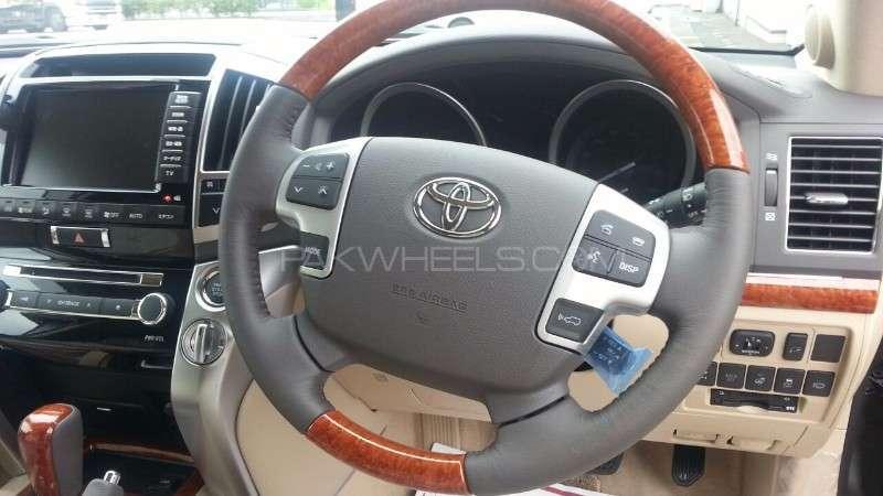 Toyota Land Cruiser ZX 2014 Image-11