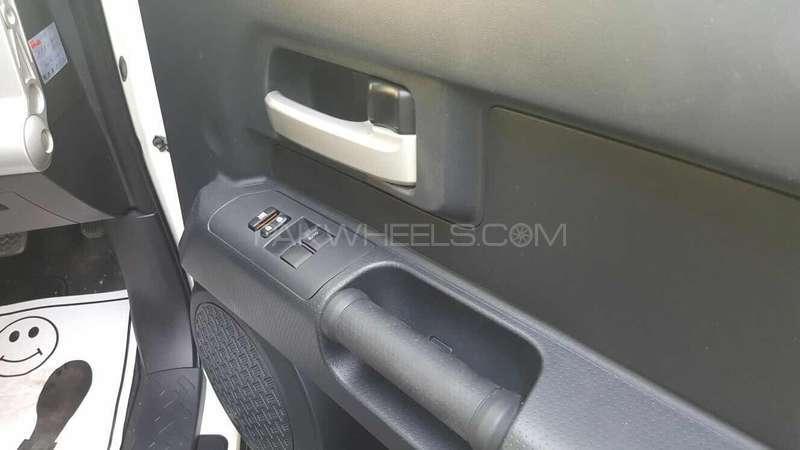 Toyota Fj Cruiser 2011 Image-3
