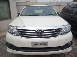 Slide_toyota-fortuner-2-7-automatic-2013-9936338