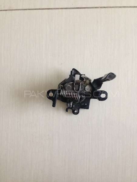 Toyota Vitz KSP130 Bonnet lock  Image-1