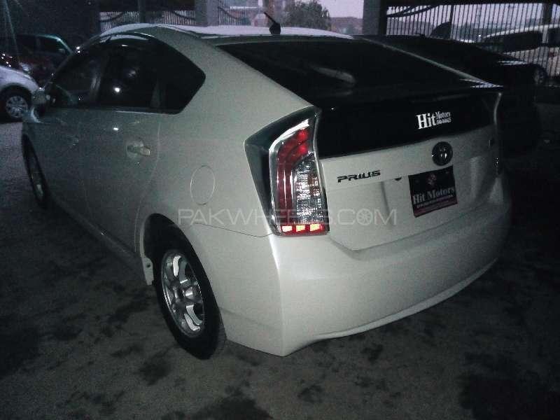 Toyota Prius G 1.8 2012 Image-4