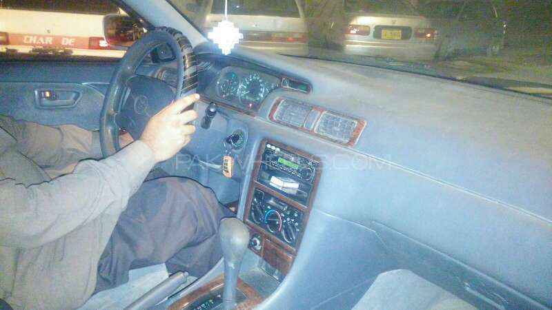Toyota Camry 2002 Image-2