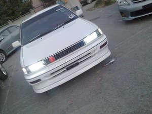 Toyota Corolla - 1990