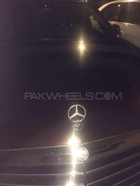 Mercedes Benz E Class - 2011  Image-1