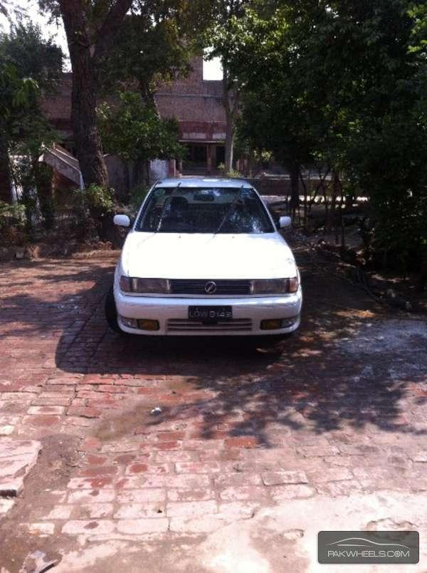 Nissan Sunny - 1993 sentra Image-1