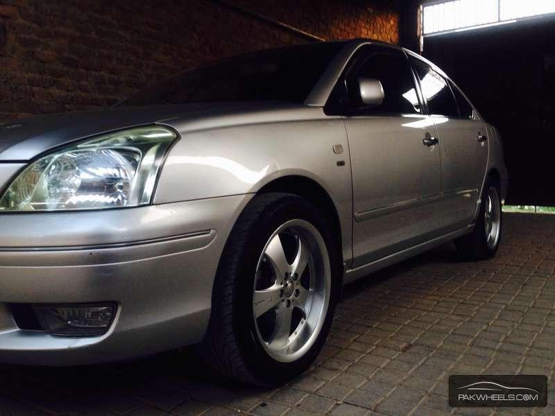 Toyota Premio - 2005 D 4 Drive Image-7