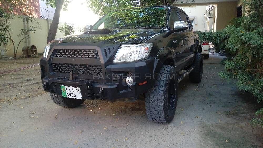 Toyota Hilux - 2013  Image-1