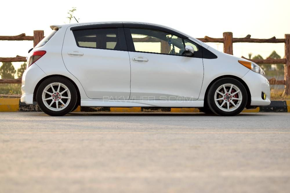 Toyota Vitz - 2013  Image-1