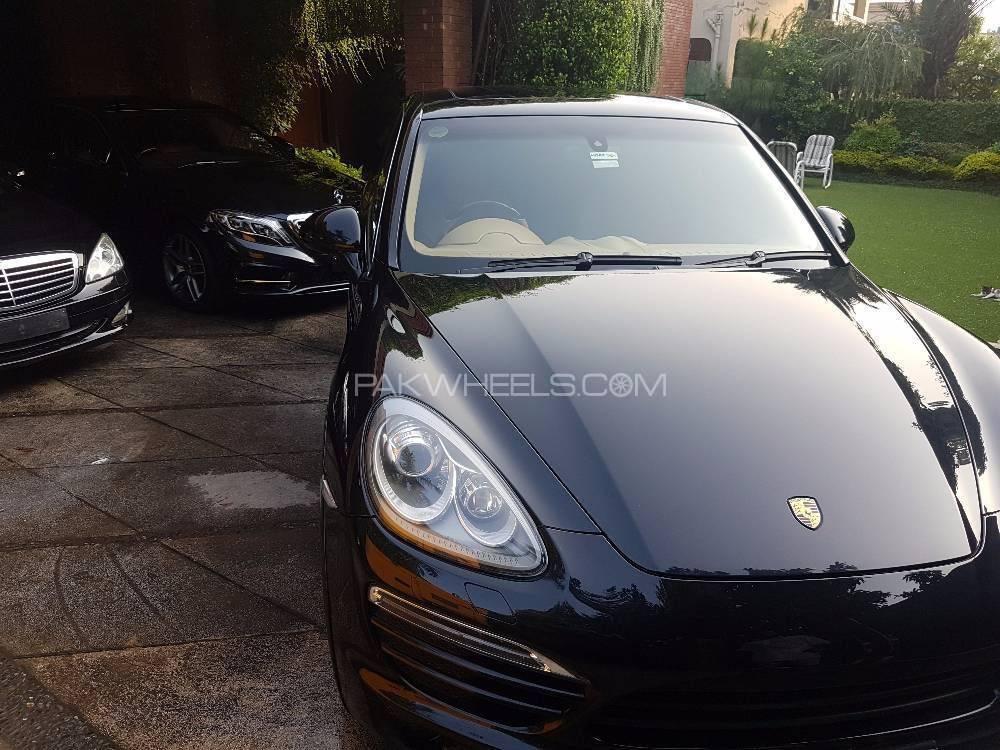 Porsche Cayenne - 2015  Image-1