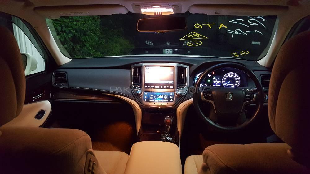 Toyota Crown - 2014  Image-1