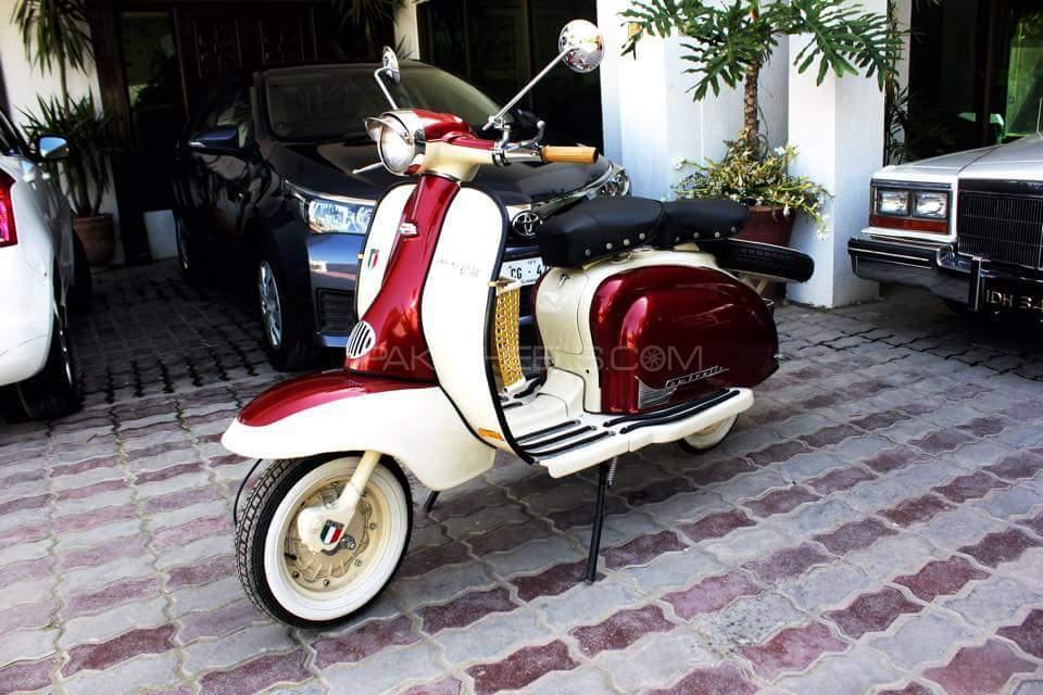 Vespa 150cc - 1960  Image-1