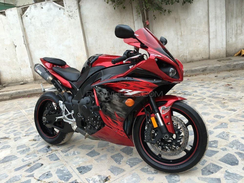Yamaha YZF-R1 - 2012  Image-1
