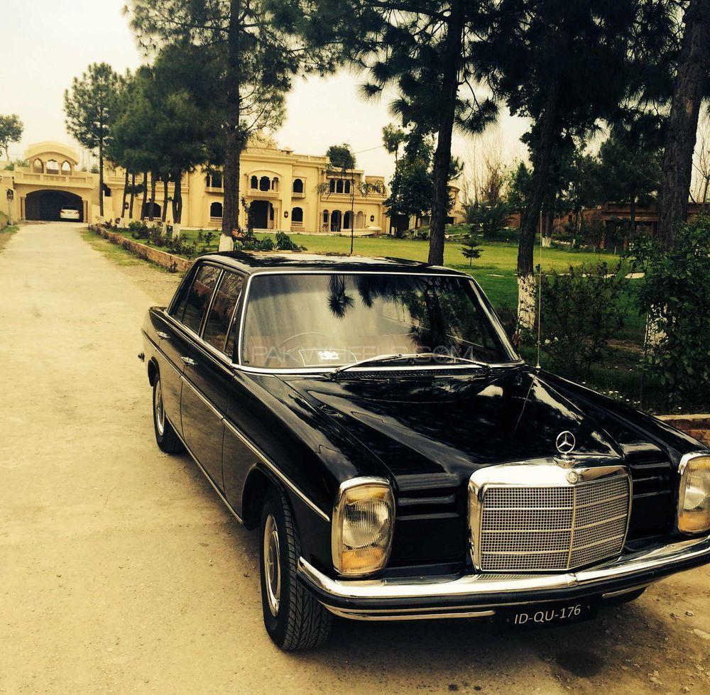 Mercedes Benz E Class - 1969  Image-1