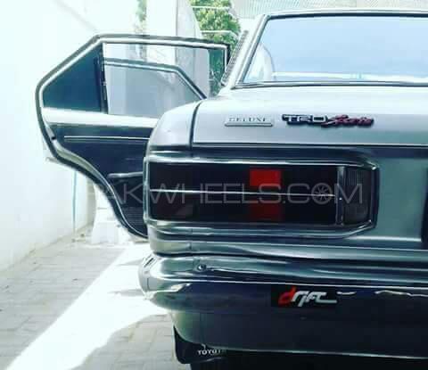 Toyota Corona - 1973  Image-1