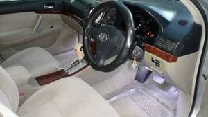 Toyota Premio - 2004